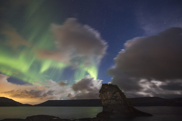 Aurora at lake Kleifarvatn at the indian rock