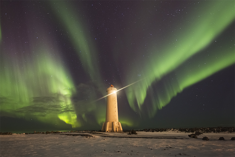 The new lighthouse in Akranes with aurora