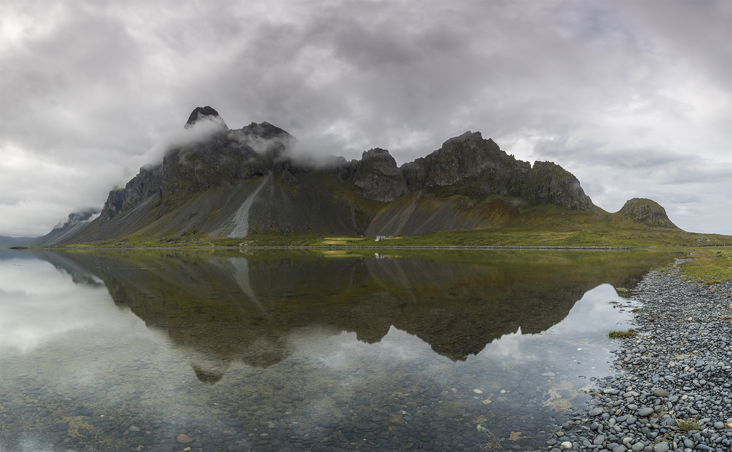 Mountain Eystrahorn - pano