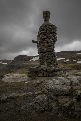 Statue of the man guarding the mountain road
