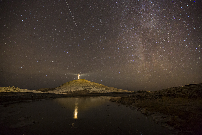 Meteor shower at Reykjanes lighthouse
